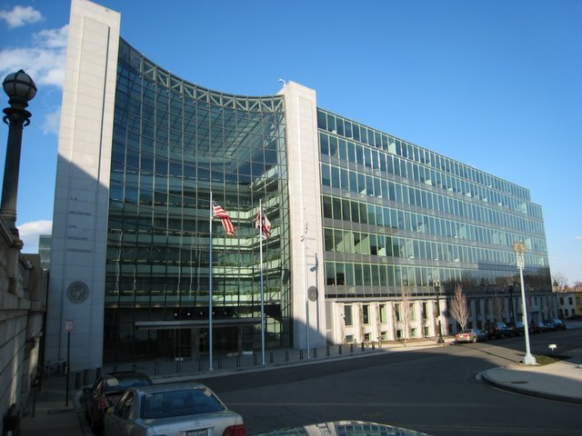 SEC Starts to Notify Banks of FCPA Enforcement